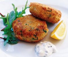 Fishcakes are a great budget choice because they make a little fish go a long way. These easy fishcakes are flavoured with lemon, spring onions and dill. Try making a batch for friends or family this weekend. Olive Recipes, Fish Recipes, Seafood Recipes, Dinner Recipes, Cooking Recipes, Vegetarian Recipes, Recipies, Curry Recipes, South African Dishes