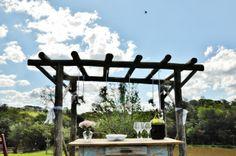 Pergola - Gazebo em eucalipto exclusivo para cerimônias ao ar livre na Chácara Mangala
