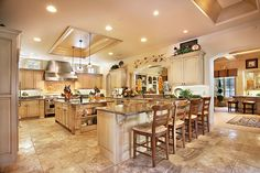 i don't even need a mansion, i just want a huge kitchen, and big backyard! #kitchen #luxury