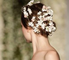 Flower Crown - Hair at Reem Acra Fall-Winter 2015 bridal collection Wedding Album, Wedding Planner, A Court Of Mist And Fury, Midsummer Nights Dream, Wedding Trends, Bridal Collection, Hair Trends, Her Hair, Bridal Hair