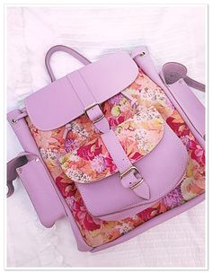 Think it's about time this #beauty came out for the day @grafea  #purple #floral #beaut #backpack #rucksack #leather #grafeabag #bag #girlsworld #cute #coolshit #love #fave #flowerpower #pretty #retro #fblogger #fashion #fashionista #fashionfinds #accessory #pearlsandvagabonds