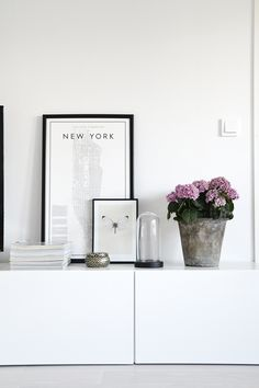 8 Popular framed pictures you have to have in your new cool home (Daily Dream Decor) Interior Decorating, Interior Design, Interior Ideas, Interior Stylist, Dream Decor, Minimalist Design, Decoration, Home Accessories, Picture Frames