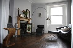 Blackened Farrow and Ball for living room walls Coastal Living Rooms, Living Room Colors, Living Room Grey, Living Room Sofa, Home Living Room, Coastal Homes, Blackened Farrow And Ball, Style At Home, Hallway Colours