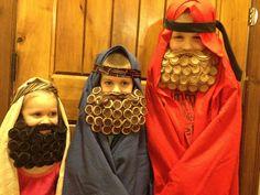Fun kids beards......Santa, Shepard or even Dress up. Free pattern and tutorial. Visit my blog www.craftnightowls.blogspot.com