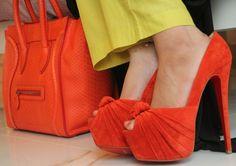 color naranja , miren que bien que queda este color en este modelo de zapatos. me encanta