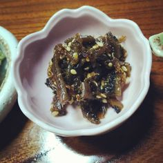 #Kombu (#seaweed ) that's covered with a #miso #soy and #mirin #reduction and garnished with #sesame #seeds.  Just realising that the #Japanese sure love their sesame.  #kaiseki #ryori #yummy #yummyinmytummy #latergram #Sanemon #Hinata #Shizuoka #Japan #travelgram #traveldiaries #foodporn #foodphotography #terracotta #vegan #vegetarian by ashimashenoy