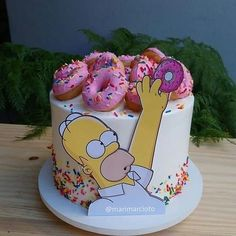 Bolo Simpsons, Simpsons Party, Crazy Cakes, Fancy Cakes, Cute Cakes, Birthday Cake Decorating, Cake Decorating Tips, Cookie Decorating, Drippy Cakes