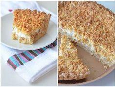 Prăjiturile cu mere sunt unele dintre cele mai preferate. Se pot pregăti în diverse moduri, sunt foarte gustoase și simplu de preparat. Echipa Bucătarul.tv a selectat o rețetă de vis, o prăjitură deosebită cu mere foarte aromată, cu aluat răzuit și spumă de albușuri. Delectați-vă cu o prăjitură originală și un ceai fierbinte! Echipa Bucătarul.tv …