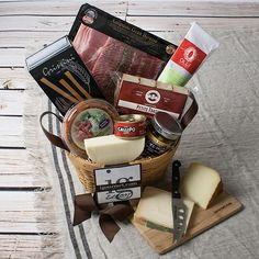 Satisfy an appetite for mouthwatering meats and cheeses with this delicious gift basket. It includes:Antipasto Meat Tray by Fratelli Beretta: Perfect for parties or unexpected guests! This tray contains 4 ounces each of sliced prosciutto, salami, and coppa ham. With this one large pack... more details available at https://perfect-gifts.bestselleroutlets.com/gifts-for-holidays/grocery-gourmet-food/product-review-for-appetite-for-antipasto-gift-basket-5-5-pound/