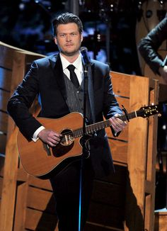 Blake Shelton ♡ my favorite person.. my second favorite artist.. such a GORGEOUS man!!