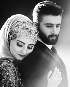 Couple session in the snow. Romantic and playful couple session in blizzard and snow. Muslim Couple Photography, Engagement Photography, Wedding Photography, Cute Muslim Couples, Romantic Couples, Wedding Poses, Wedding Couples, Wedding Dresses, Couple Portraits