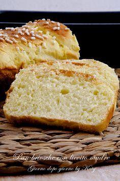 Nuova ricetta con il lievito madre, buonissimo e sofficissimo per la colazione o la merenda, il pan brioche è l'ideale.