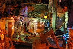 Pirate Halloween Decorations, Pirate Halloween Party, Voodoo Halloween, Pirate Decor, Halloween Displays, Pirate Theme, Halloween Themes, Halloween History, Halloween Carnival