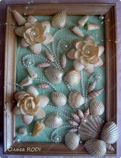 Pretty sea shell picture in wooden frame, Sea Crafts, Crafts To Make, Arts And Crafts, Seashell Art, Seashell Crafts, Seashell Projects, Driftwood Projects, Driftwood Art, Shell Flowers