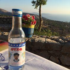 Sakız Adası | Ne Gördüm Chios, Drinking, Sailing, Water Bottle, Friends, Places, Candle, Soda, Amigos