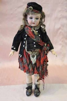 Bebe Cosmopolite by Handwerck in Scottish costume from ~ MUSEE DE LA POUPEE ~ found @Doll Shops United http://www.dollshopsunited.com/stores/museedelapoupeeparis/items/1271588/Bb-Cosmopolite-by-Handwerck-in-Scottish-costume #dollshopsunited