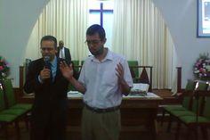 Momento de agradecimento pelo lançamento do livro na Igreja Presbiteriana de Bento Ribeiro (03/07/2015).