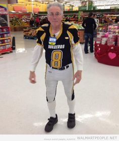 PEOPLE OF WALMART: While he is apparently still waiting for his callback from the NFL, I see that he is employed at Walmart as a greeter in the meantime. (of course). Funny Walmart People, Walmart Shoppers, Funny People, Walmart Usa, Freak Flag, Waiting For Him, Don't Care, Funny Stuff, Nfl