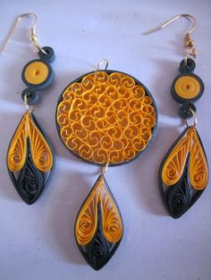earrings and pendant - Quilling Cafe - Paper Quilling Earrings, Quilling Craft, Quilling Patterns, Quilling Designs, Quilling Ideas, Paper Jewelry, Fabric Jewelry, Paper Beads, Jewelry Crafts