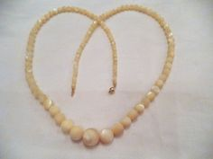 Mother of Pearl Bead Necklace Vintage Graduated with by Zeppola