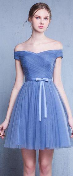 robe de soirée bleu princesse épaule dénudée