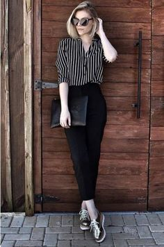 Black and white striped shirt+black pants+golden platform brogues+black clutch+sunglasses. Pre-Fall Business Casual / Workwear Outfit 2017