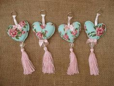 Keychain - key ring - heart - gift idea- felt keychain - party favors - Valentine's - love - sweet 16 - party - Patchyz by Kathleen Flask Sewing Crafts, Sewing Projects, Diy And Crafts, Crafts For Kids, Felt Keychain, Diy Y Manualidades, Fabric Hearts, Lavender Bags, Heart Crafts