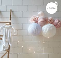 lampions à accrocher au mure d'une chambre de bébé