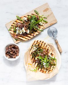 This recipe combines two South African favourites - biltong and figs. Make this delicious biltong and fig flatbread and serve it hot at your next braai. Fig Flatbread, Flatbread Recipes, Easy Recipes, Healthy Recipes, Biltong, Bbq Party, Restaurant Recipes, Quick Easy Meals, Allrecipes