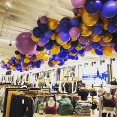Balloon Installation, Visual Merchandising Displays, Display Design, Lululemon, Balloons, Instagram, Globes, Hot Air Balloons, Balloon
