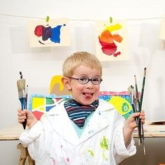 Artiste peintre dans son atelier #enfant #mini #kid #painter - Pandacraft mag  http://www.amylee.fr/2016/07/pandacraft/ #art