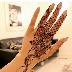 121 Simple Mehndi Designs for Hands Pretty Henna Designs, Floral Henna Designs, Finger Henna Designs, Arabic Henna Designs, Modern Mehndi Designs, Mehndi Designs For Fingers, Beautiful Mehndi Design, Mehndi Designs For Girls, Henna Tattoo Designs