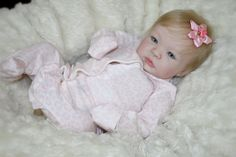 Linda Shyan com cabelos loiros implantados R$ 1.590,00 Life Like Baby Dolls, Life Like Babies, Cute Babies, Reborn Toddler, Toddler Dolls, Reborn Babies, Barbie Doll House, Barbie Dolls, Beautiful Babies