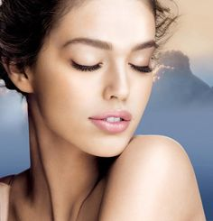 Emily-Didonato_Maybelline-Smooth-Mousse-Campaign-emily-didonato-27873910-650-675.jpg (650×675)