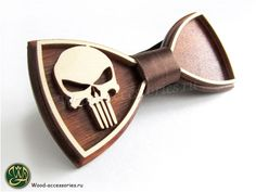 ☠During the Civil War, the Punisher acted against the Superhero Registration Act. He brought the wounded Spider-Man to the headquarters of the rebels. Many of the rebels were against accepting the Punisher in their ranks and soon drove him out after he killed the two supervillains who joined the resistance. A bow tie with the Punisher symbol can be found on the WoodenAccessoriesRU.etsy.com ⚔Во время Гражданской Войны Каратель выступал против Акта о регистрации Суперлюдей. Он даже принёс в…