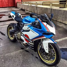 """motorcycles-and-more: """" Ducati 899 Panigale"""" Moto Ducati, Ducati Motorbike, Moto Bike, Racing Motorcycles, Motorcycle Bike, Ducati Desmosedici Rr, Ducati Diavel, Super Bikes, Chopper"""