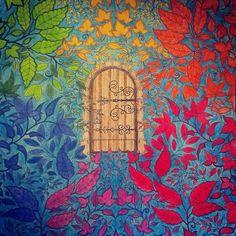 """Tęczowo;)#tajemnyogrod #johannabasford #coloringbook #coloringbookforadults #coloringpage #kolorowanka #kolorowankadladorosłych #kredki #crayons…"""