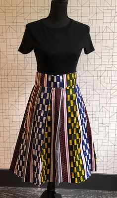 These gorgeous limited edition wax print skirts are the epitome of afro-chic fashion handmade in Cape Town. Yes To The Dress, Dress Up, Brandy Melville Outfits, Beautiful Outfits, Beautiful Clothes, Printed Skirts, Modest Outfits, High Waisted Skirt, Baddie Tips