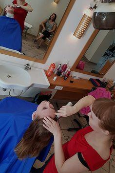 Ready to remove it. Punishment Haircut, Forced Haircut, Hair Salon Chairs, Shaved Hair Women, Bald Girl, Shaving Razor, Girl Haircuts, Down Hairstyles, Dibujo