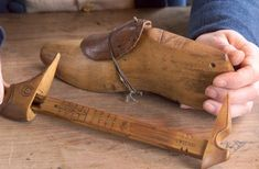 Boot and Shoemaker : The Colonial Williamsburg Official History & Citizenship Site Williamsburg Virginia, Colonial Williamsburg, Shoe Tailor, Tailor Shop, Shoe Cobbler, William And Mary, Early American, American Life, Colonial America
