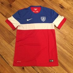 Authentic Team USA Soccer Jersey Adult Size Small- In beautiful condition Nike Tops Tees - Short Sleeve