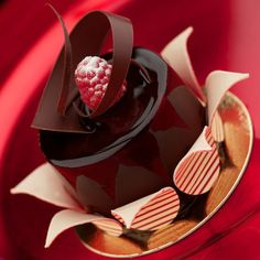 Artistry in gourmet chocolate delicacies for fine chocolate lovers, corporate gifts, wedding flavors, clubs. Try our new healthy dark chocolate BLACK™.