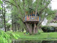 Steps for building your own treehouse. This would be a great summer project for Maverick.  @Lydia Squire Jones Conner