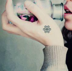 4 Pcs Beautiful Snowflake Pattern Temporary Tattoo Stickers - Tattoos - Makeup - Women Free Shipping