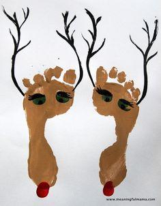 Reindeer Foot Print & Finger Print Christmas Craft - Meaningfulmama.com