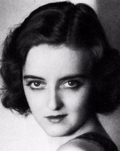 Bette Davis, Hollywood First Lady Bette Davis Eyes Golden Age Of Hollywood, Vintage Hollywood, Hollywood Stars, Classic Hollywood, Hollywood Lights, Adrienne Ames, Bette Davis Eyes, Betty Davis, Actrices Hollywood