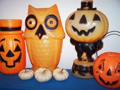 70s halloween decorations | I remember we had one similar to the cat with the pumpkin on top.... Halloween lights