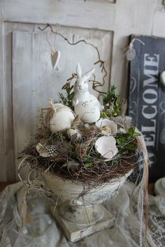 A magically beautiful Easter decoration . Langohr loves it noble . he feels . A magically beautiful Easter decoration …. Langohr loves it noble …. he feels comfortable i Oster Dekor, Seasonal Decor, Holiday Decor, Spring Has Sprung, Kinds Of Salad, Spring Crafts, Ikebana, Easter Crafts, Grapevine Wreath