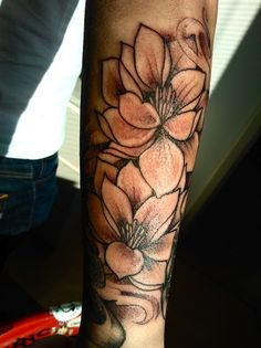 Outlined lotus flower tattoo #TattooModels