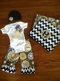 Deluxe Personalized Baby Girl Gift Set.  I love this wild pattern! Nice and bright for Springtime!